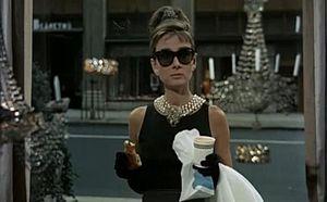 Audrey Hepburn - Tubino nero.jpg
