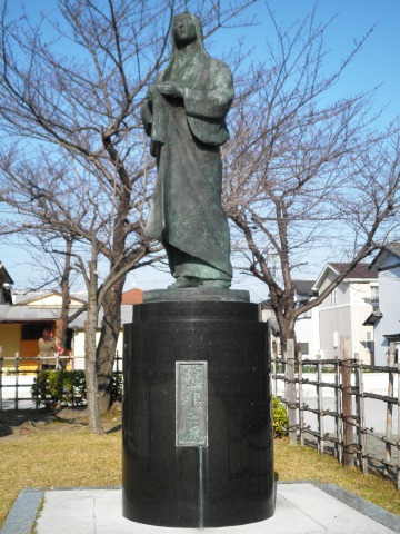 Statue of Nōhime.jpg