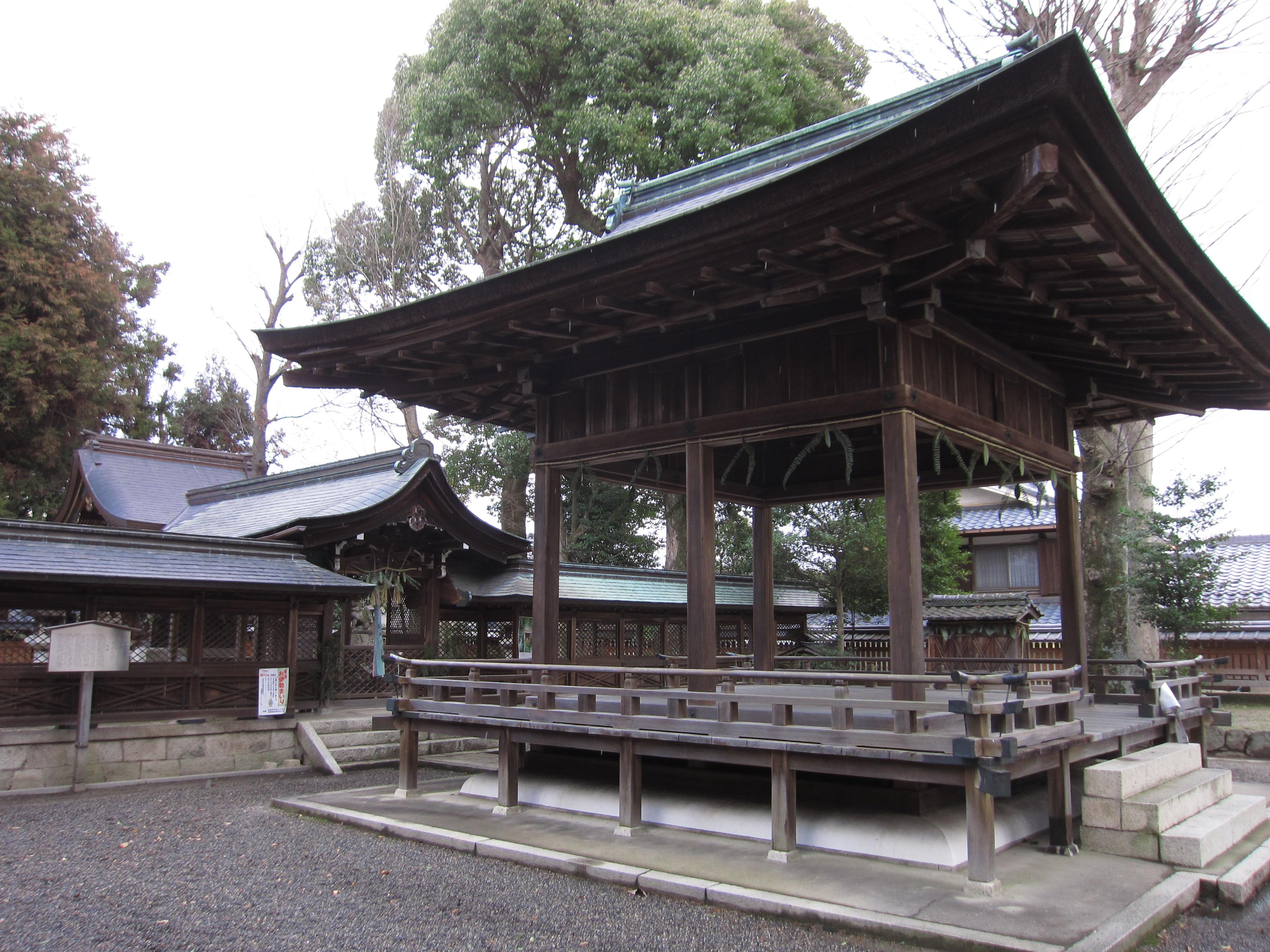 ファイル:那波加神社 境内.JPG