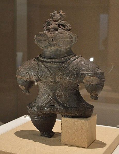 ファイル:亀ヶ岡遺跡出土 遮光器土偶.JPG