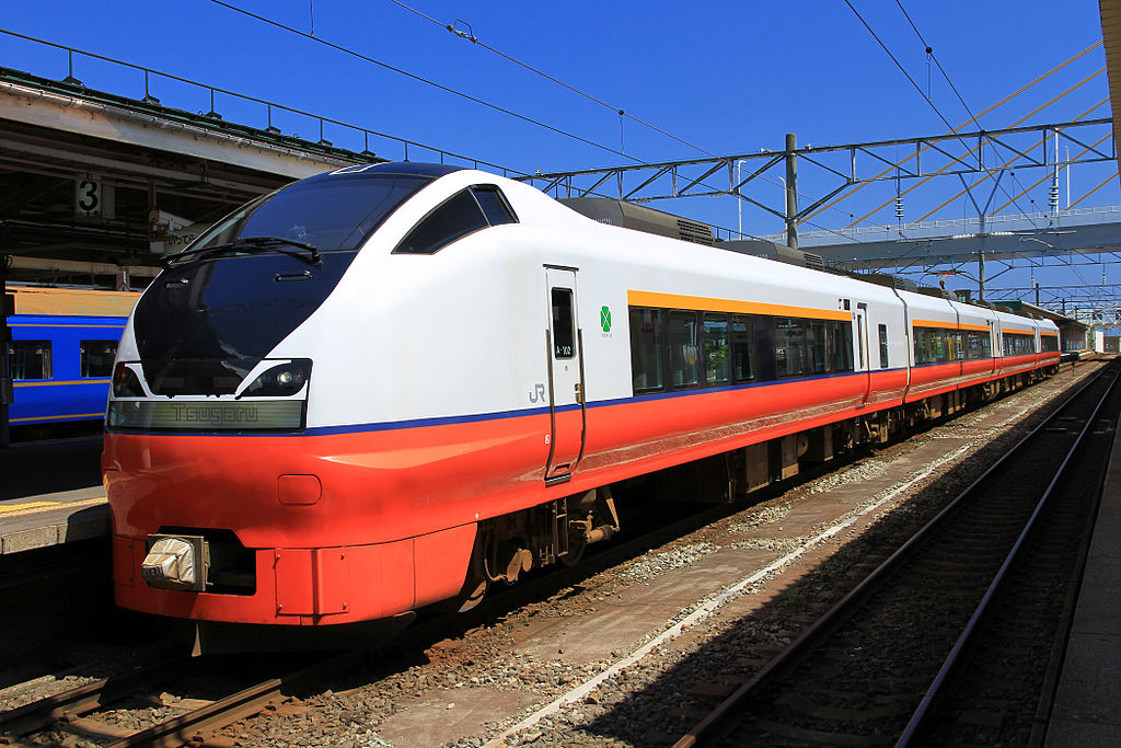https://upload.wikimedia.org/wikipedia/ja/thumb/9/92/JR-East_Series_E751_Tsugaru_1.JPG/1024px-JR-East_Series_E751_Tsugaru_1.JPG