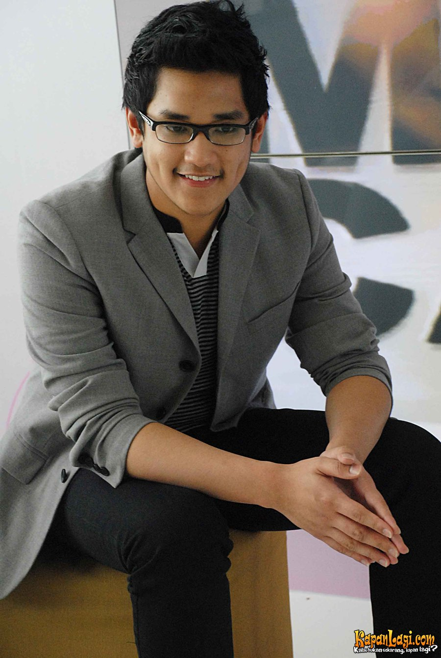 Afgansyah Reza earned a  million dollar salary, leaving the net worth at 1.5 million in 2017