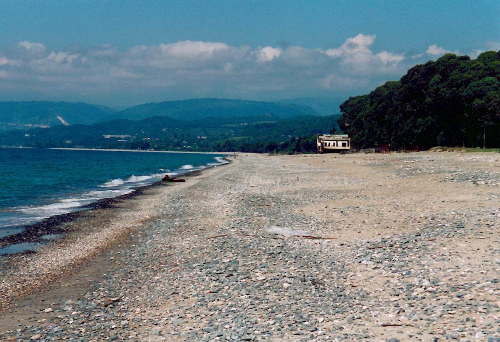 Пляжи Сухума: какое дно, вход в воду, как добраться и во сколько 56