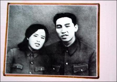 Kim_Il_song_%26_Kim_Jeong_Sook_1930s.jpg