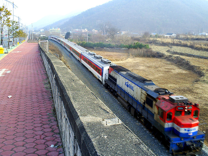 파일:Korail Mugunghwa Train.jpg