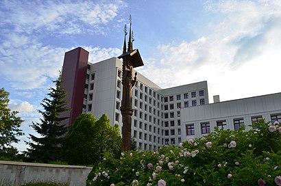 How to get to Vilniaus universiteto ligoninės Santariškių klinikos with public transit - About the place