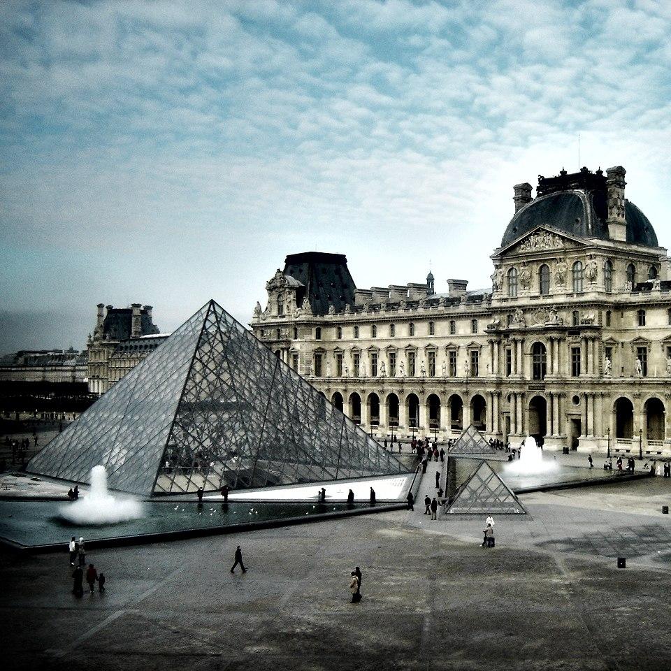 Louvre 09 (square)lt