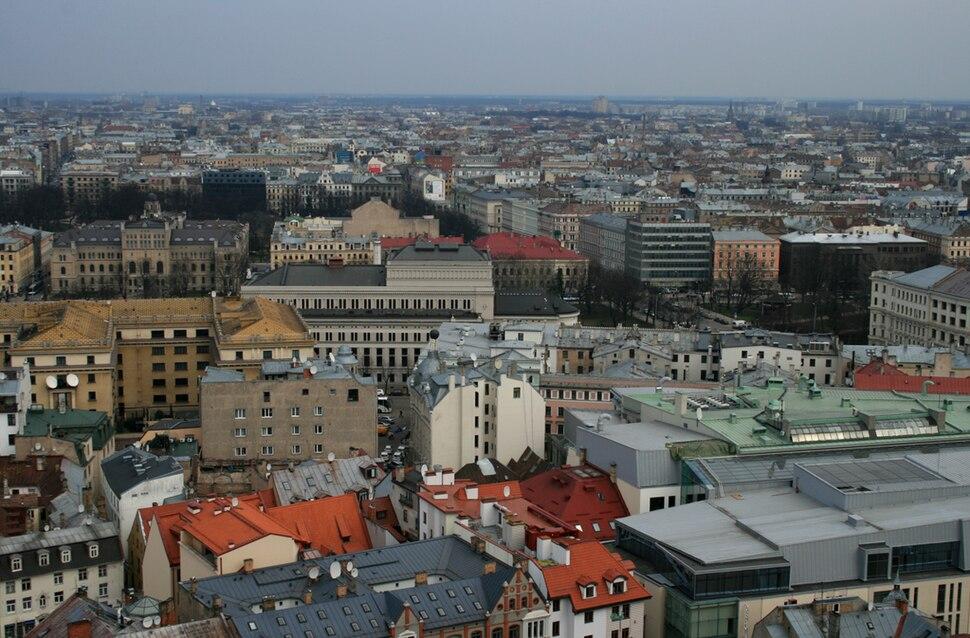 Rīgas centrs. Skats no Pēterbaznīcas skatu laukuma