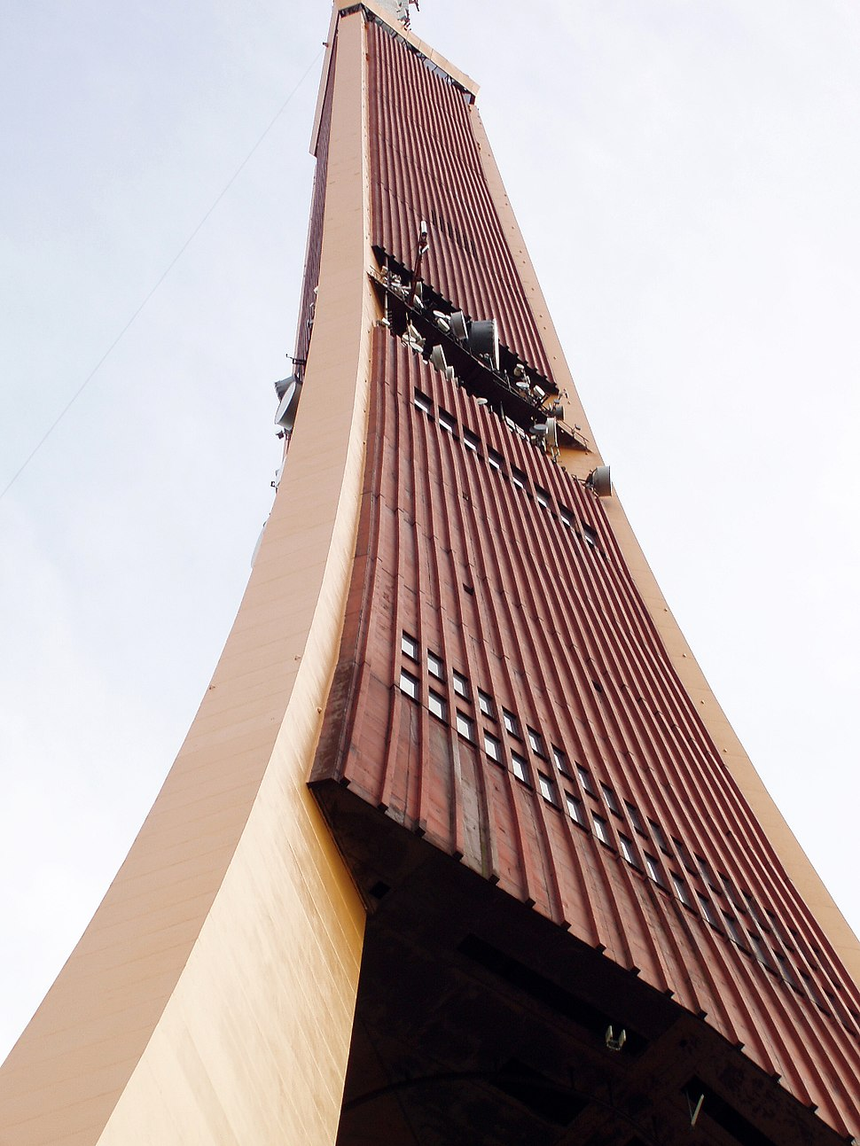 Rīgas televīzijas tornis 06.2005