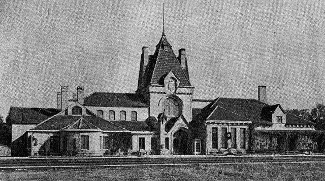https://upload.wikimedia.org/wikipedia/lv/thumb/6/64/Sigulda_1930.jpg/640px-Sigulda_1930.jpg