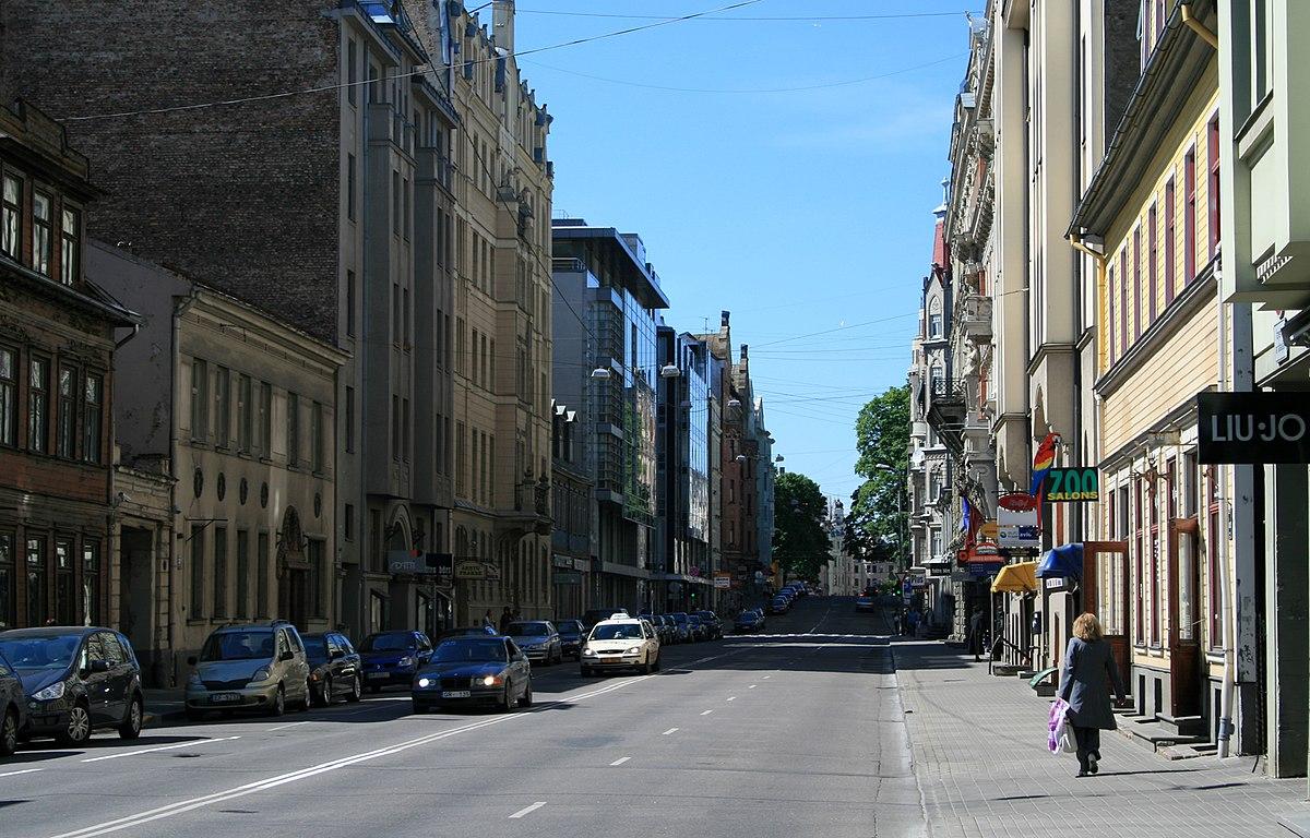 Lāčplēša iela (Rīga) — Vikipēdija