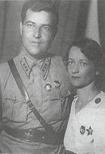 Arturs Sproģis Spānijas pilsoņu kara laikā (1936—37) kopā ar Elizabeti Paršinu (Елизвета Паршина).
