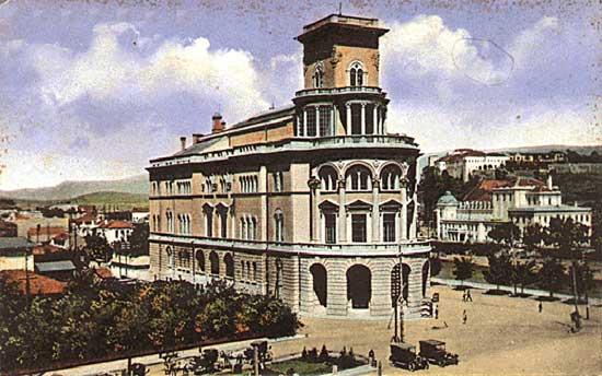 http://upload.wikimedia.org/wikipedia/mk/5/57/Oficerski_dom.jpg
