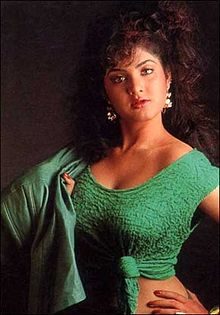 Divya bharti in photo shot.jpg