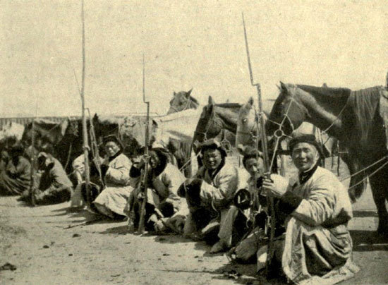 Файл:Mongolian soldiers.jpg