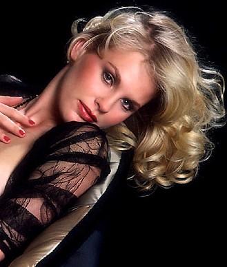 Porn blonde sexy tits