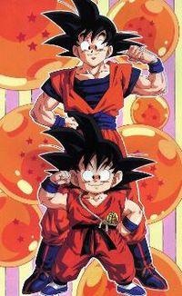 Goku em sua infância e em sua fase adulta