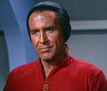 "Ricardo Montalbán como Khan no episódio ""Space Seed""."
