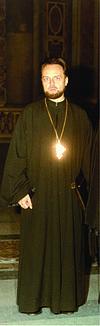Arhimandrit al Bisericii Ortodoxe, romanul André Scrima (1925-2000), autorul, a fost cunoscut ca filosof și teolog de formatie.