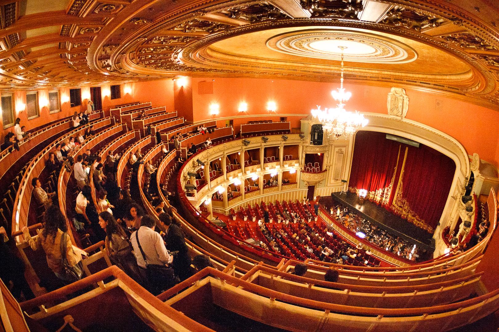 Kuvahaun tulos haulle opera
