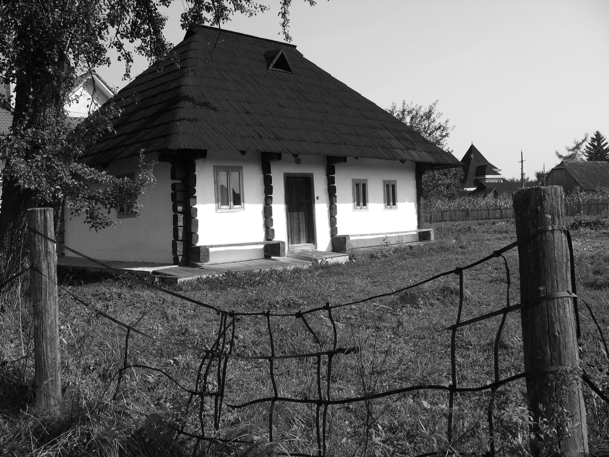 Imagini pentru casa batraneasca