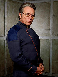 Edward James Olmos ca William Adama