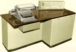 https://upload.wikimedia.org/wikipedia/ru/0/04/Computer_MIR-1.jpg