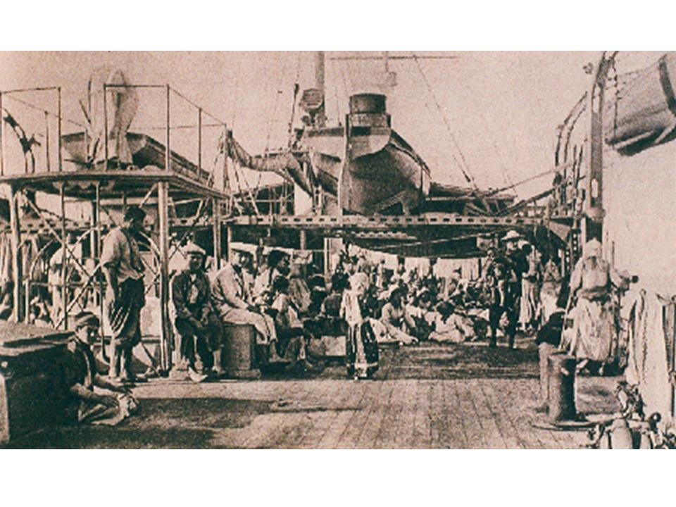Спасенные армяне на борту французского крейсера «Жанна д'Арк»