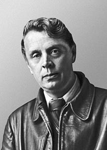 https://upload.wikimedia.org/wikipedia/ru/2/2d/Samokhvalov-Alexander-Nikolaevich-17w.jpg