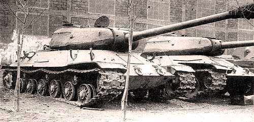 Heavy tank IS-6.jpg