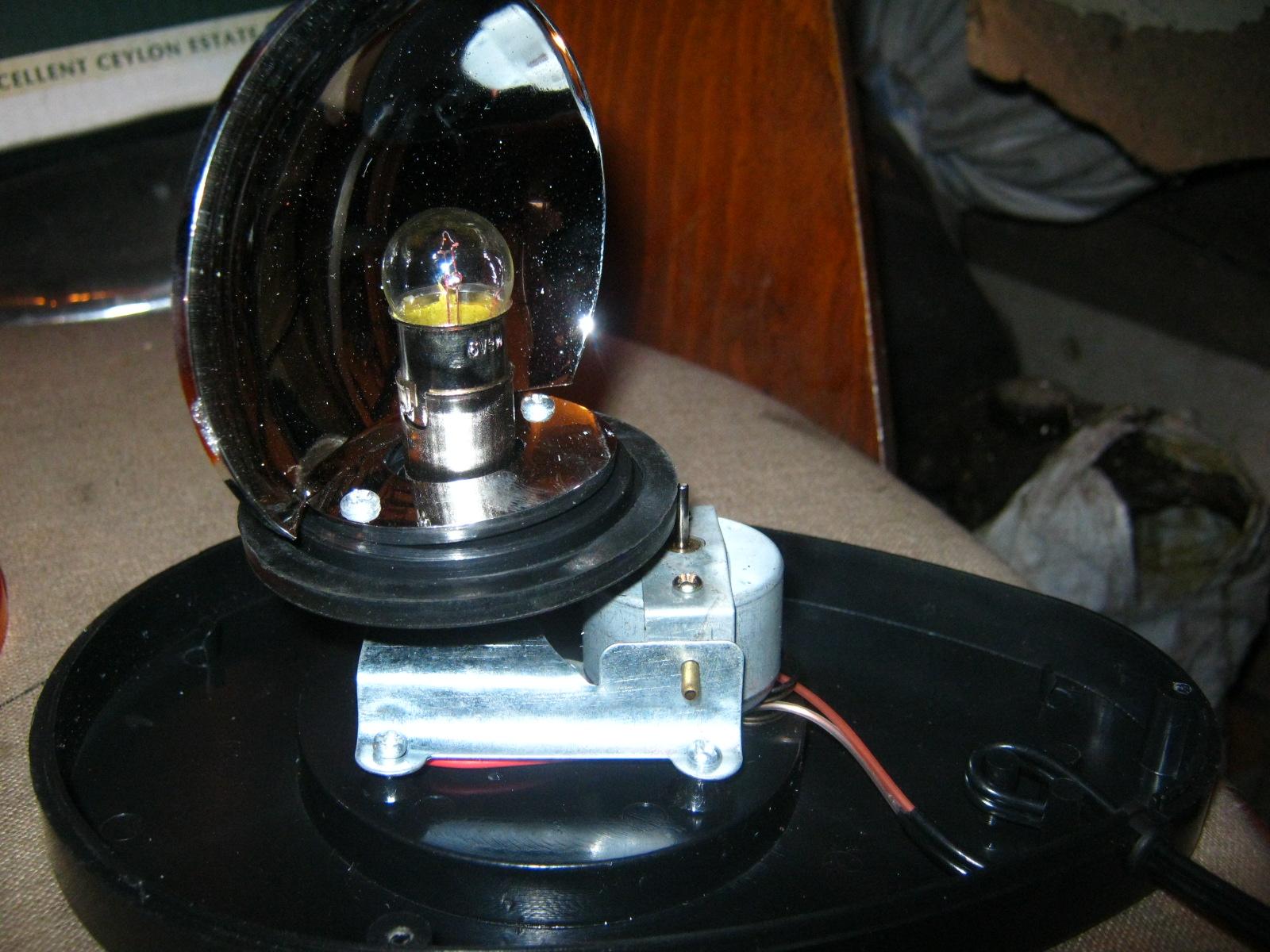 схема мигалки на два светодиода 9в