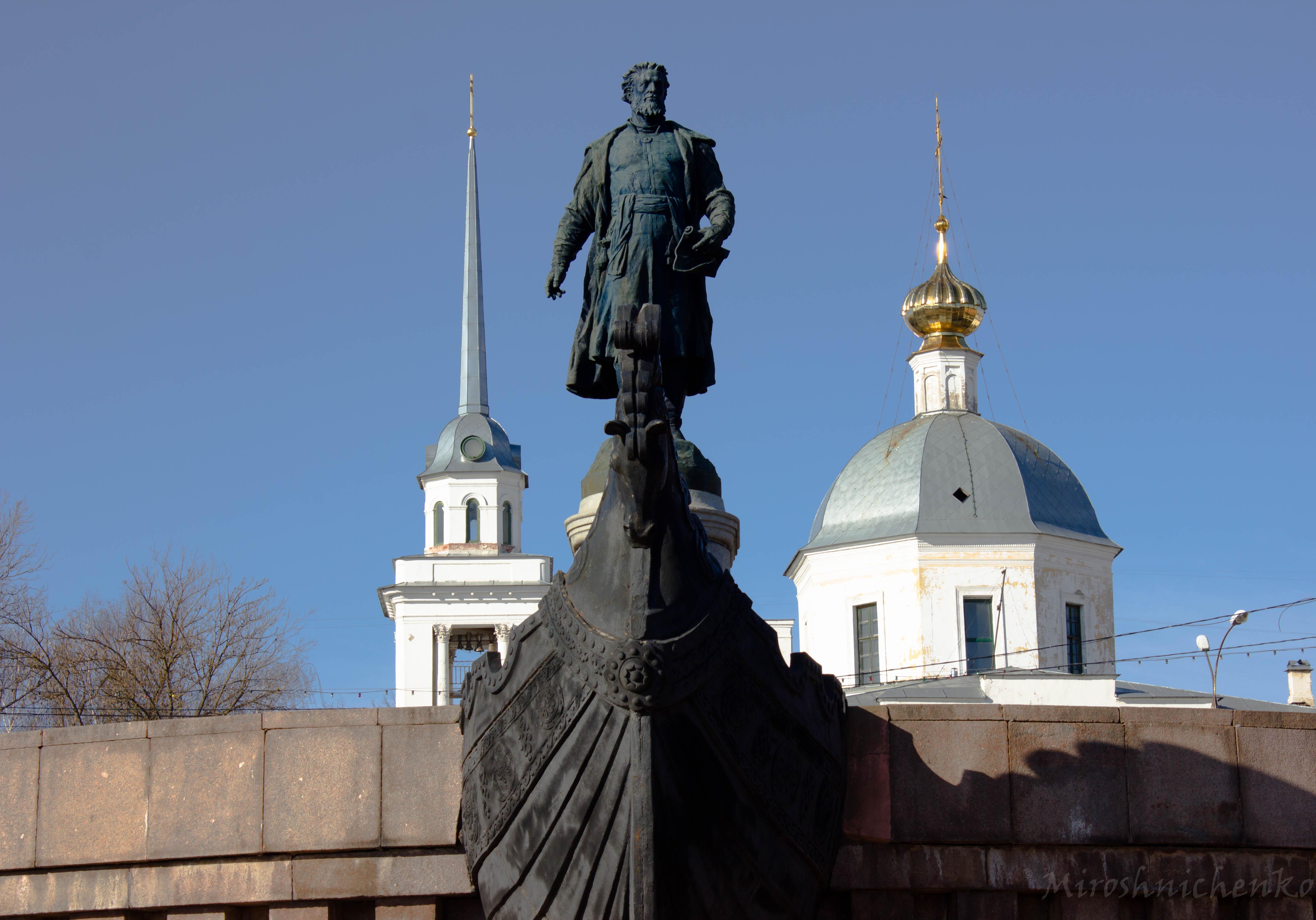 1955 памятник в твери гранит памятники в москве баймак