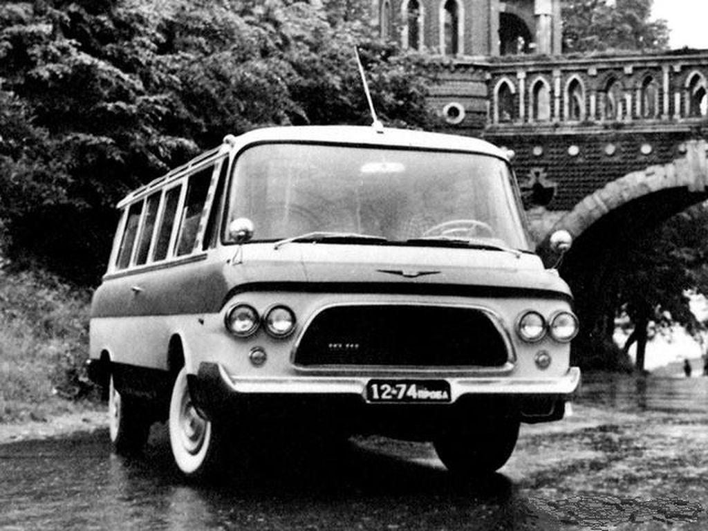 В России могут возобновить производство легендарного микроавтобуса СССР ЗИЛ-118