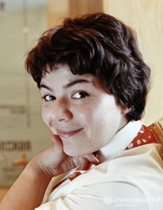 Maya Kristalinskaya. Sumber: Wikipedia