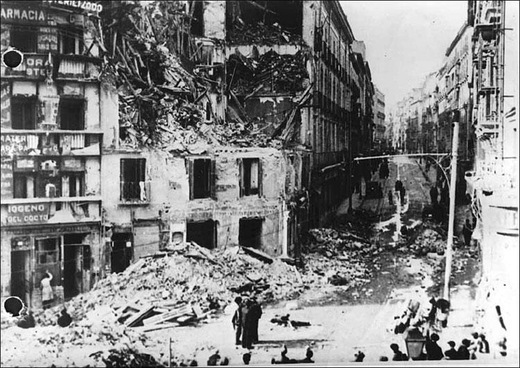 Разбомбленный Мадрид. 3 дек. 1936.jpg