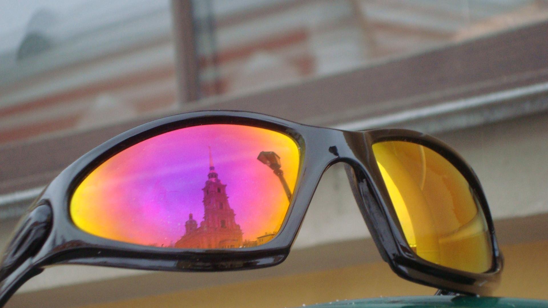 Лыжные очки с более характерным интерференционным покрытием — эффект  масляной плёнки 46dc7355569