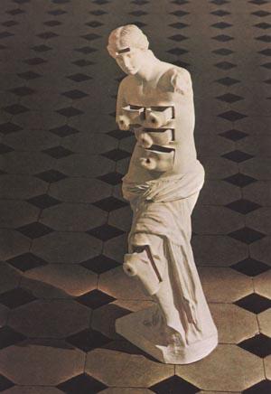 Venus de Milo with Drawers (1936).jpg