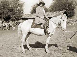 Е. И. Рерих во время Центрально-Азиатской экспедиции