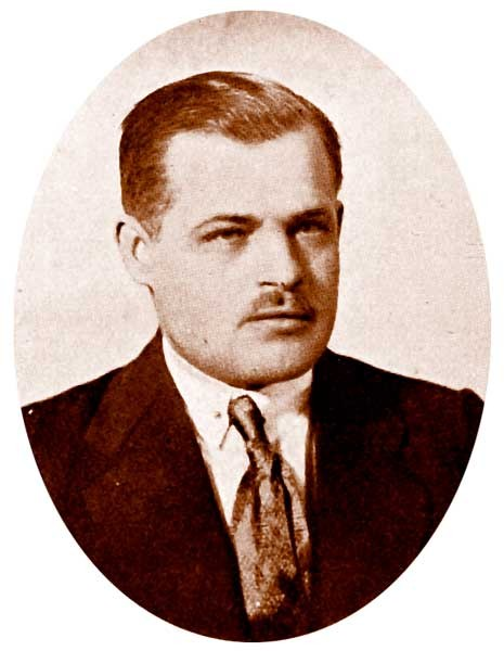 https://upload.wikimedia.org/wikipedia/ru/9/96/Kallistratov.jpg