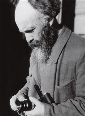 Михаил Михайлович Пришвин со своей «лейкой»