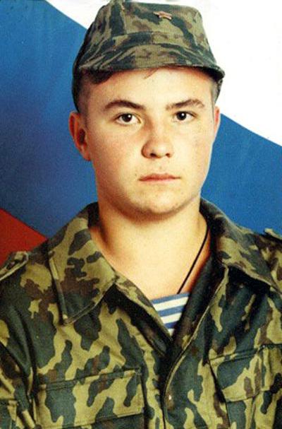 чечены режут горло русскому солдату