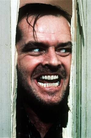 https://upload.wikimedia.org/wikipedia/ru/b/bb/The_shining_heres_johnny.jpg