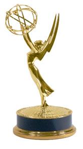 https://upload.wikimedia.org/wikipedia/ru/b/bf/EmmyAward.jpg
