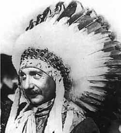 http://upload.wikimedia.org/wikipedia/ru/c/c2/Albert_Einstein_Indian.jpg