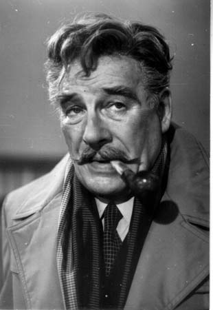 https://upload.wikimedia.org/wikipedia/ru/c/c9/Commissaire_Maigret_%28Tenin%29.jpg