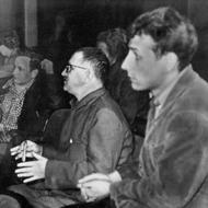 Б. Брехт и М. Векверт (слева) на репетиции спектакля «Кавказский меловой круг», 1954