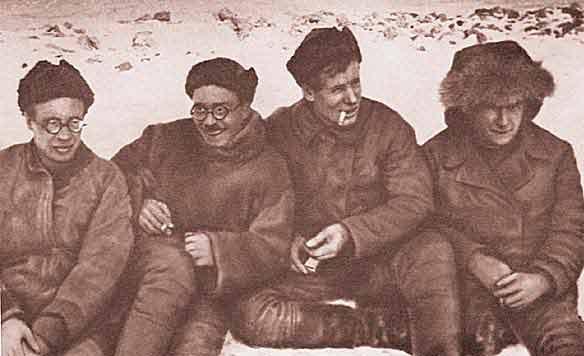 Участники экспедиции 1930—1932гг.: Н.Н.Урванцев, Г.А.Ушаков, С.П.Журавлёв, В.В.Ходов.