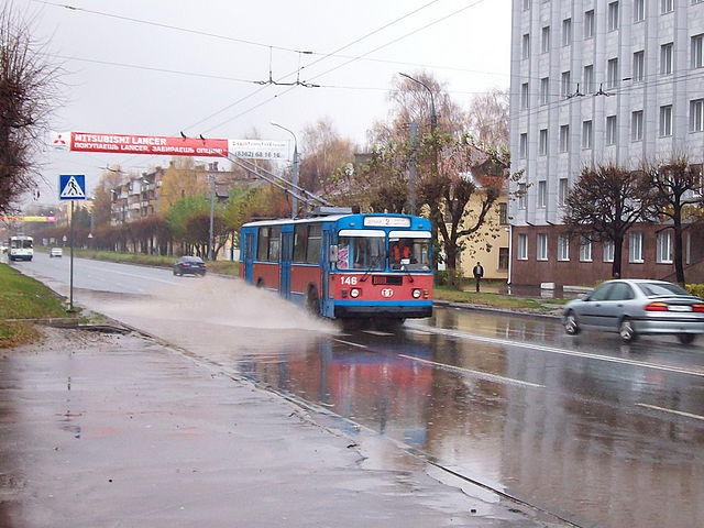 Типичный троллейбус ЗиУ-682