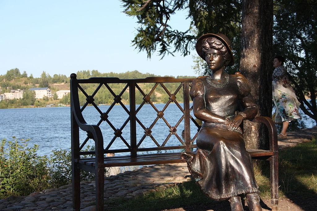https://upload.wikimedia.org/wikipedia/ru/thumb/0/0c/S.Kuvshinnikova_from_Plyos.JPG/1024px-S.Kuvshinnikova_from_Plyos.JPG