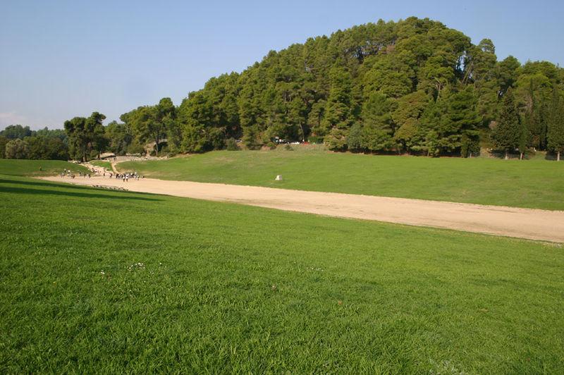 http://upload.wikimedia.org/wikipedia/ru/thumb/1/12/Olympia_stadion.jpg/800px-Olympia_stadion.jpg